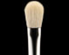 Close up of MAC Blending Brush 217 bristles.